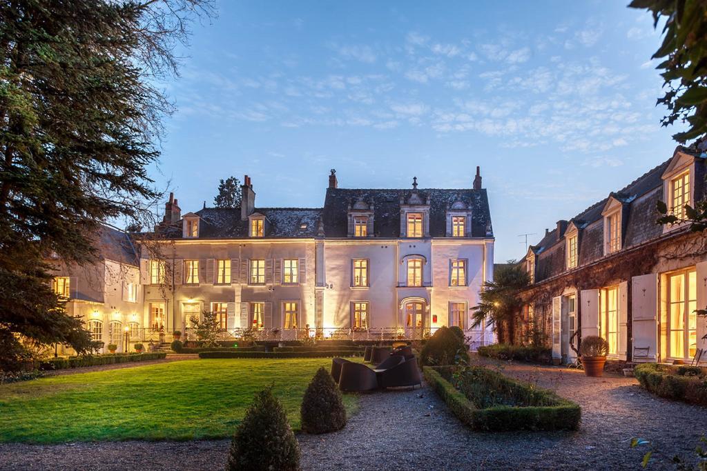L'attribut alt de cette image est vide, son nom de fichier est hotel-luxe-piscine-chateau-loire-clos-amboise.jpg.