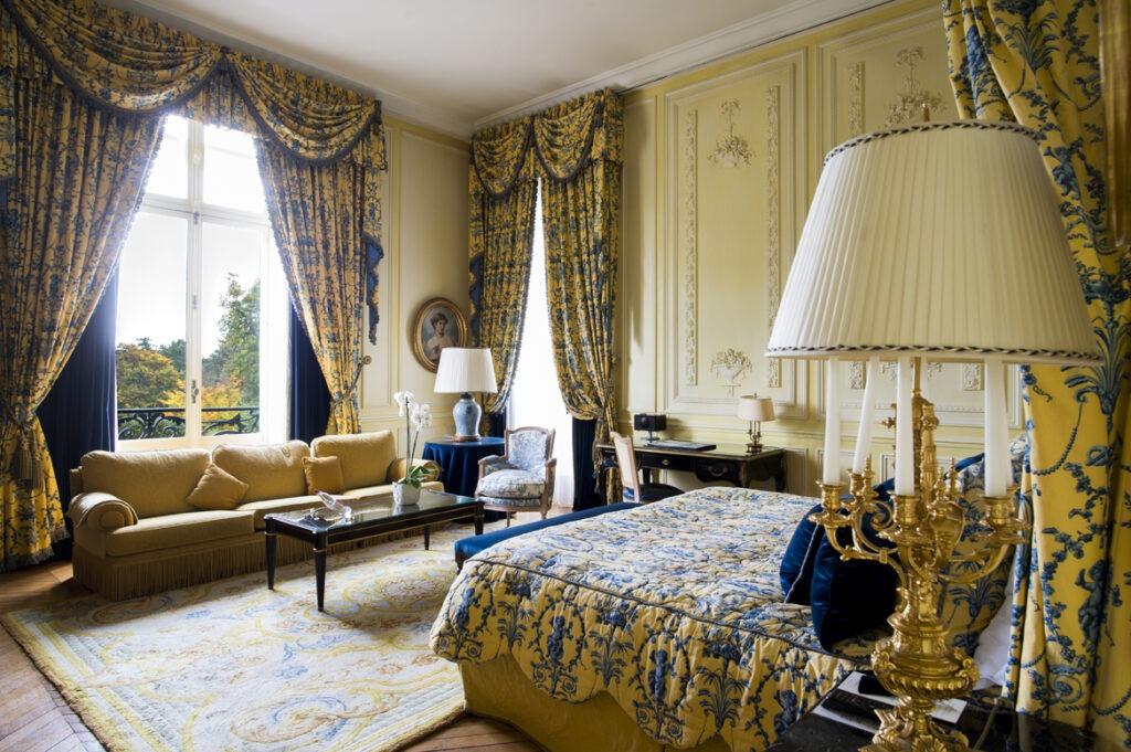 hotel-luxe-romantique-2h-paris-Domaine-les-Crayeres