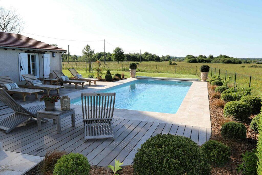hotel-piscine-chateau-loire-gite-montillon