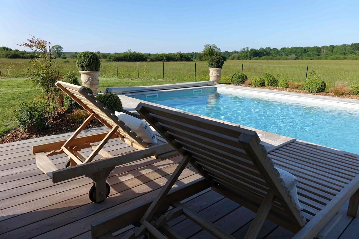 hotel-piscine-chateau-loire-gite-le-montillon